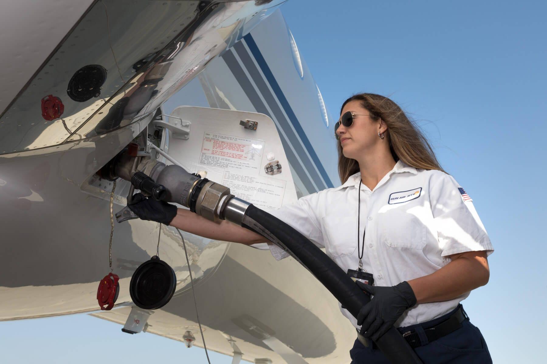 Sun Air Jets Refueling